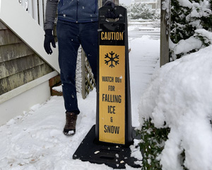 Standing sign for ice and snow warning