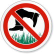 Do Not Walk On The Grass ISO Sign