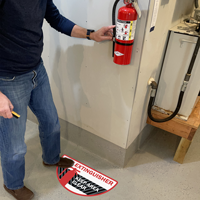 Fire extinguisher keep area clear sign